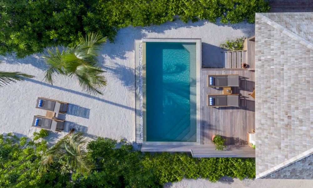 Hurawalhi island resort cover photo